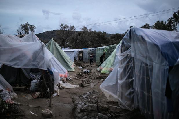 """Les migrants retenus dans des conditions """"inhumaines"""" en Grèce"""