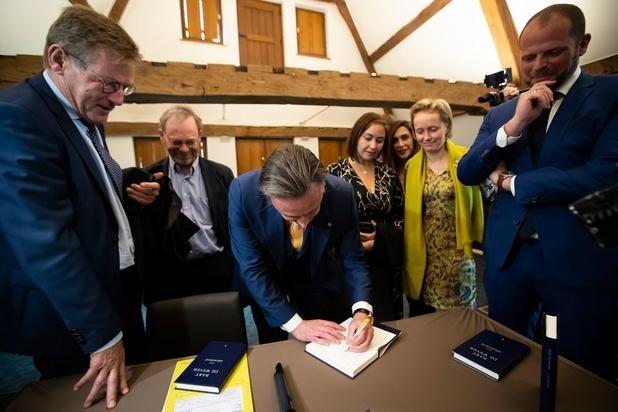 'Bart De Wever stopt wel erg veel in de zak van de verlichting'