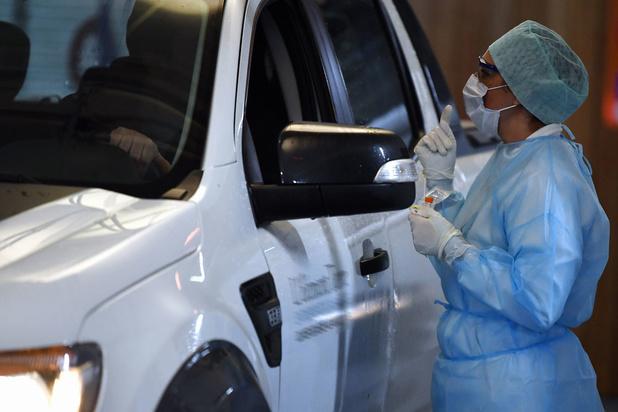 'Onze loopgravenoorlog tegen het coronavirus winnen we niet'