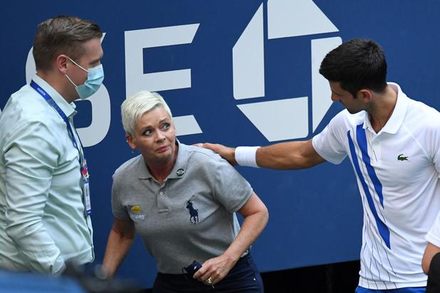 Novak Djokovic, N1 mondial, exclu de l'US Open pour avoir envoyé une balle sur une juge de ligne (VIDEO)
