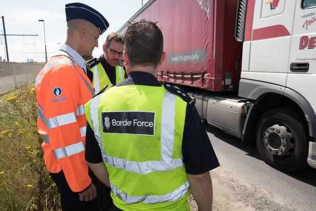 Procureur wil afhandelingscentrum voor transmigranten in West-Vlaanderen