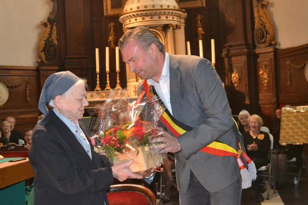 Zuster Benigna viert 75ste kloosterjubileum
