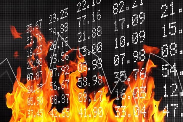 Tous les signaux sont au rouge... Une crise financière est-elle imminente?