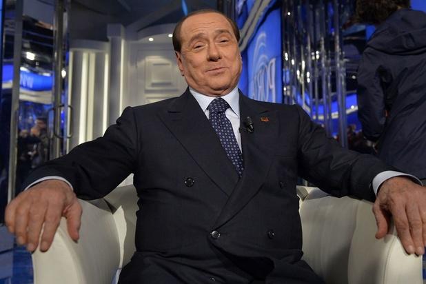 """Silvio Berlusconi, grandeur et décadence d'une """"success story"""" à l'italienne"""