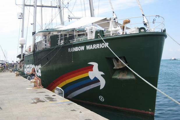 """Le Rainbow Warrior III en route pour dénoncer dénoncer le """"fiasco"""" de l'EPR"""
