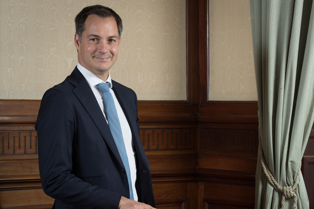 """Alexander De Croo : """"Le gouvernement fédéral peut être formé début décembre"""""""