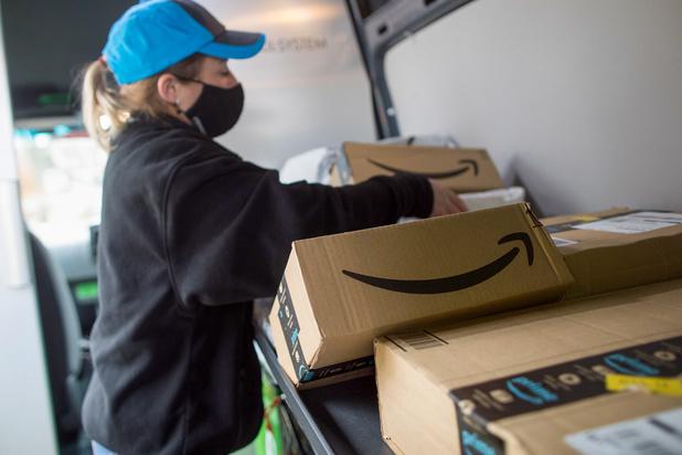 Des employés contraints d'uriner dans des bouteilles: Amazon reconnait la pratique