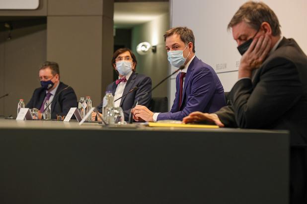 Comité de concertation: la bulle extérieure élargie à dix personnes et l'interdiction de voyages non essentiels prolongée