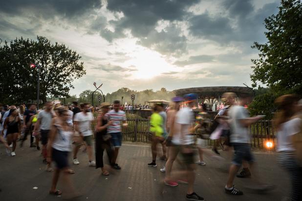 'Dat pillen testen op festivals levens redt, is niet wetenschappelijk bewezen'