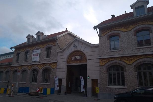 Des bières à la Source dans les anciens entrepôts de Byrrh à Bruxelles