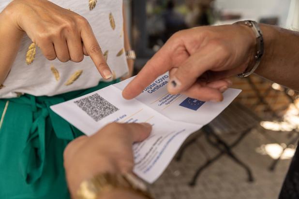 Coronablog:  Kamercommissie zet licht op groen voor verlenging gebruik Covid Safe Ticket