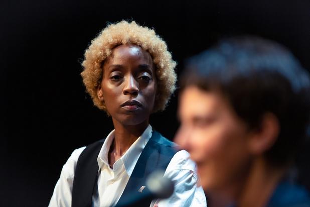 'Simon, Garfunkel, My Sister & Me': funky en (te) slim stuk over rivaliteit
