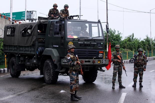 """Révocation d'autonomie au Cachemire: le Pakistan condamne la manoeuvre """"illégale"""" de l'Inde"""