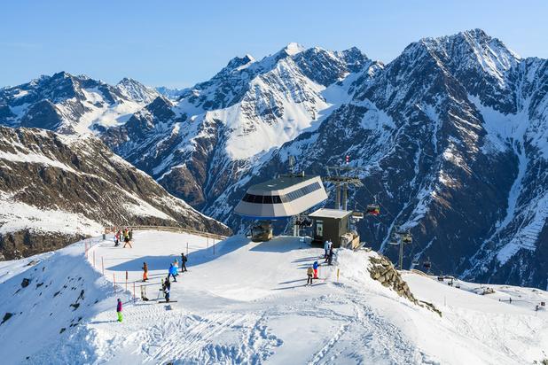 Ski: L'Autriche rouvre plus de 400 stations de ski, malgré le troisième confinement