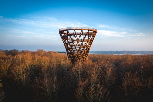 Spectaculaire spiraalvormige uitkijktoren geopend in Denemarken