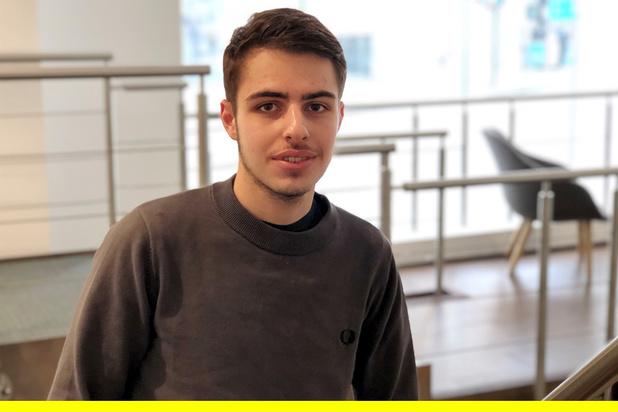 Que devient Faqbot, la start-up fondée par un entrepreneur de 18 ans?
