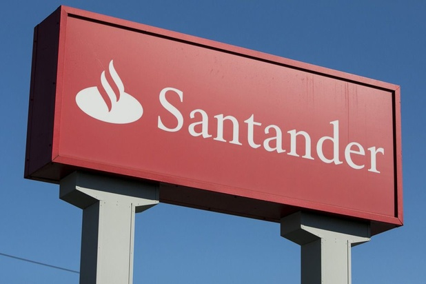 Banco Santander supprimera 3.200 emplois en Espagne, 500 de moins que prévu