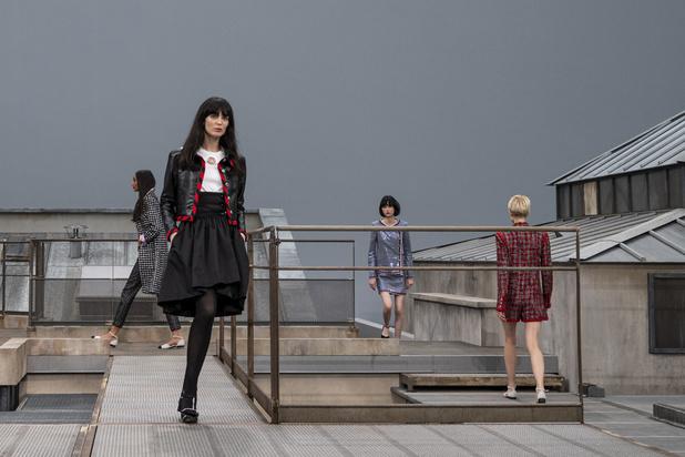 Le défilé Nouvelle Vague de Chanel sur les toits de Paris