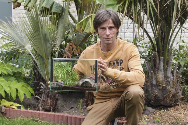 Michael Tazor: vlogger met tweekoppige slang