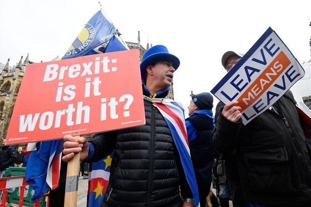 Europese Commissie: 'No deal-brexit op 12 april wordt steeds waarschijnlijker'