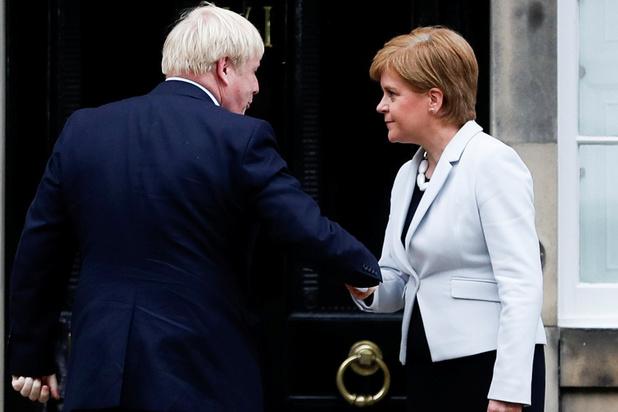 Schots premier over strategie Johnson: 'De Britse regering bewandelt een gevaarlijk pad'