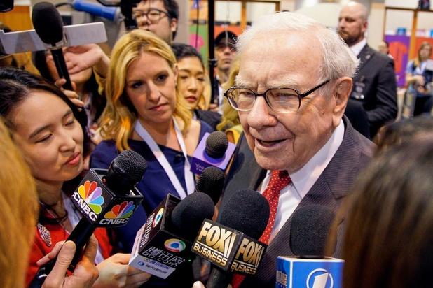 Le milliardaire Warren Buffett plaide pour plus de femmes dans la finance