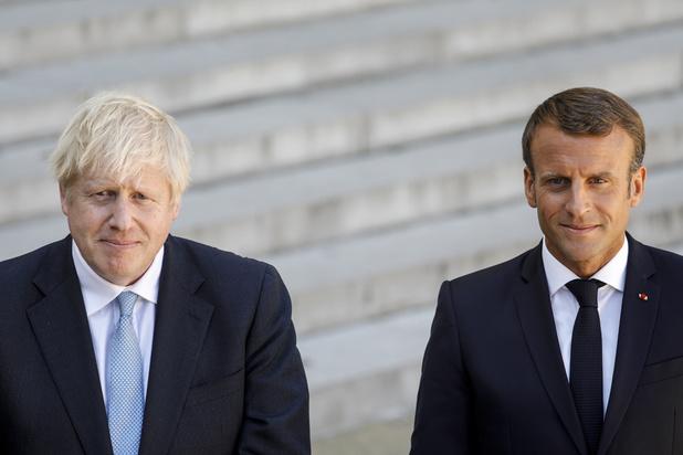 Coronavirus: confinement au Royaume-Uni, la France durcit le ton