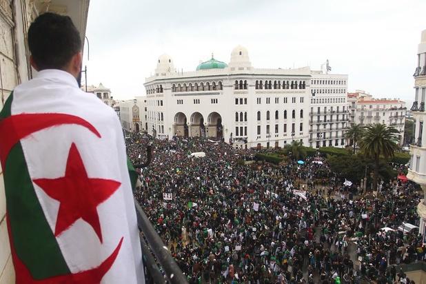Algerije stelt presidentsverkiezingen uit bij gebrek aan kandidaten