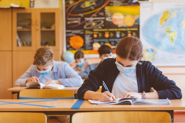 """Caroline Désir: """"Les écoles ne sont toujours pas le moteur de l'épidémie de Covid"""""""