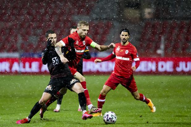 Jupiler Pro League: Ostende surprend l'Antwerp et réalise la bonne opération en haut de classement