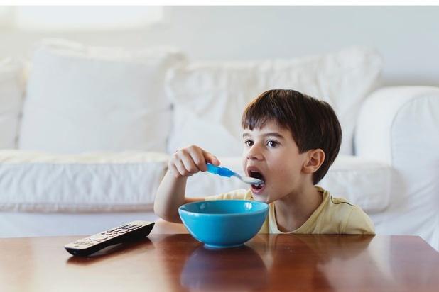 47% des enfants belges prennent leur petit-déjeuner devant la télévision
