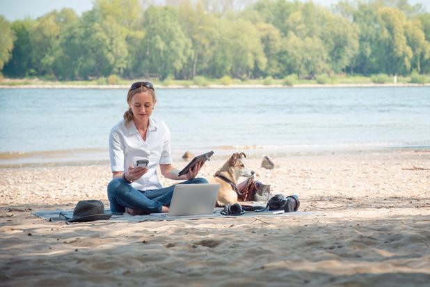 Près de la moitié des francophones travaillent pendant leurs vacances