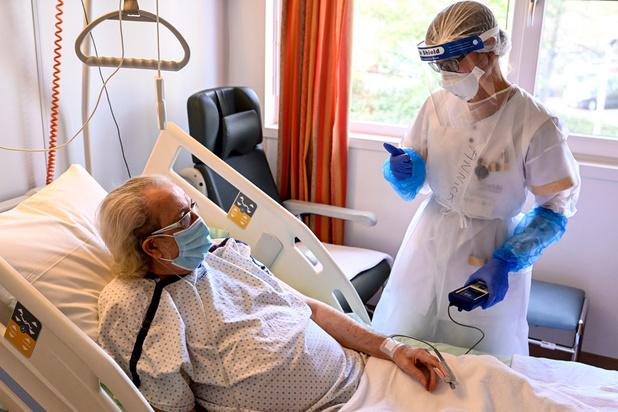 Covid en Belgique: moins de 1.000 patients aux soins intensifs