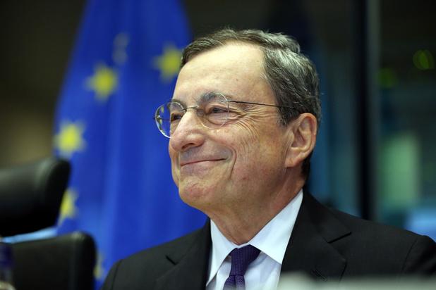 """BCE: Draghi plaide pour un budget """"significatif"""" de la zone euro"""