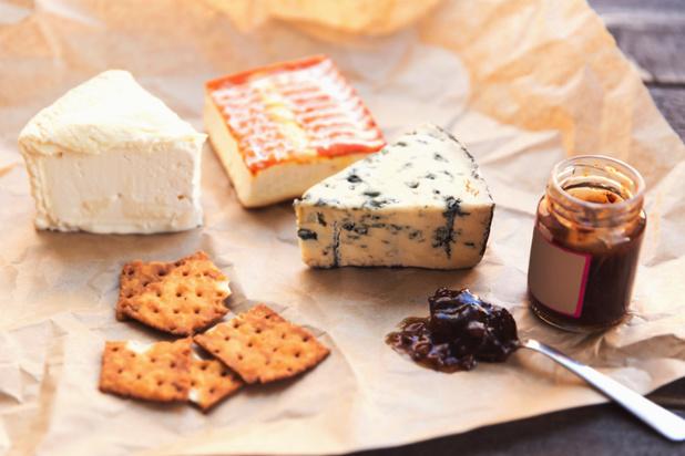 Découvrez quelles spécialités et quels fromages déguster selon l'endroit où vous partez en vacances