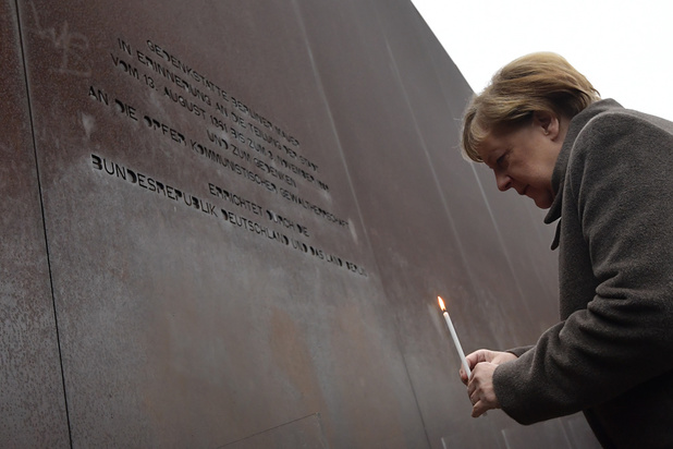Chute du Mur: Merkel exhorte l'Europe à défendre ses valeurs