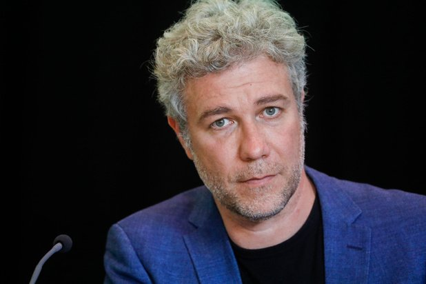 Covid: Alain Maron de plus en plus critiqué
