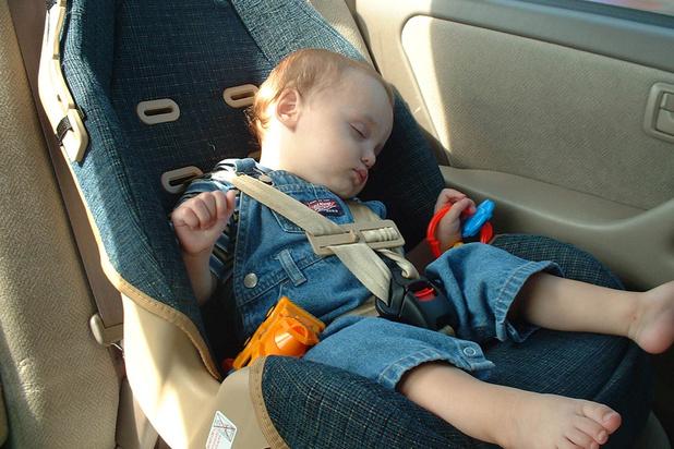 Comment peut-on oublier son enfant dans une voiture?