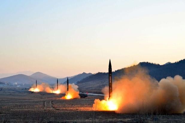"""La Corée du Nord tire des """"projectiles"""""""