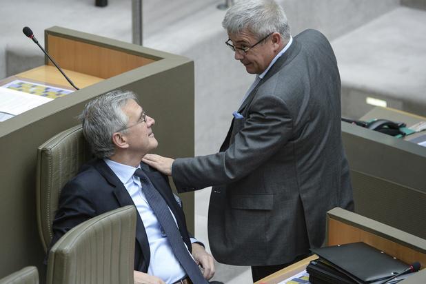 Mis en cause dans le scandale Kris Van Dijck, le cabinet de Kris Peeters dément toute intervention