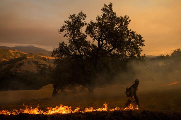 Nouveau départ de feu dans le sud de la Californie ravagé par les flammes