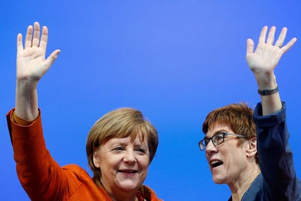 """La """"dauphine"""" de Merkel assure ne pas briguer la chancellerie avant 2021"""