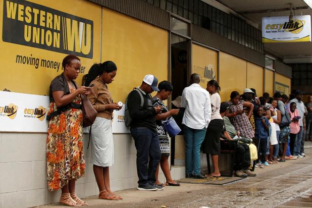 Migranten sturen recordbedrag van 490 miljard euro naar ontwikkelingslanden