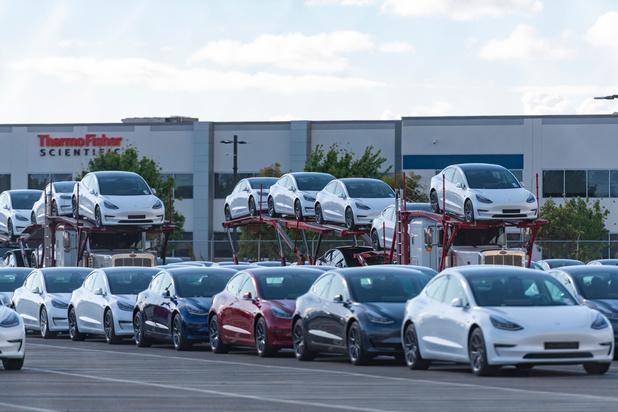 Tesla promet la voiture autonome pour demain, mais la route est encore longue