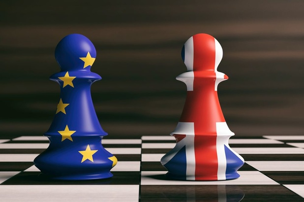 "Brexit: l'UE met en garde contre les ""risques importants"" d'un long report"