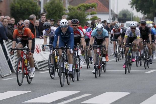 Stefano Museeuw wint wegwedstrijd in Vlamertinge