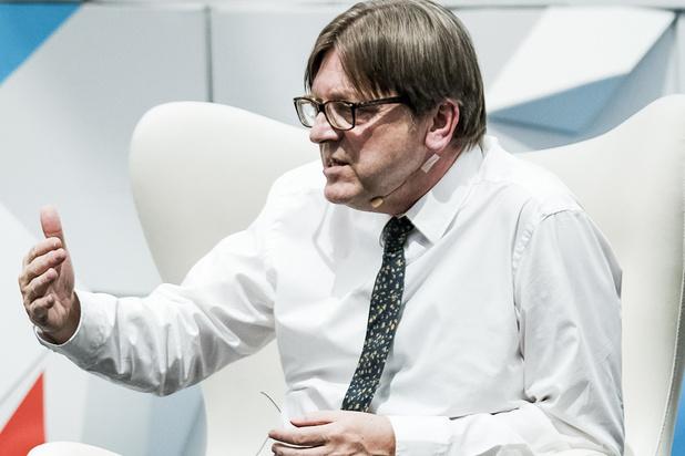 Voormalig Roemeens premier kandidaat om Verhofstadt op te volgen
