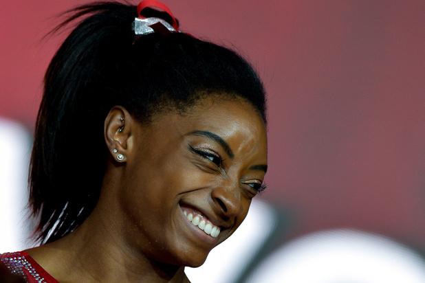 Simone Biles imponeert met zesde nationale meerkamptitel in turnen