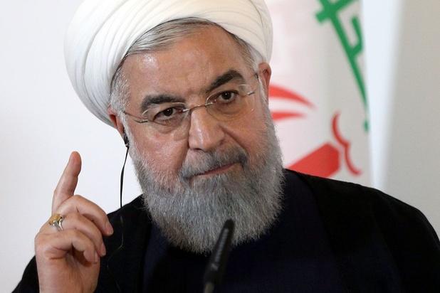 Rohani appelle Macron à intensifier les efforts pour sauver l'accord nucléaire iranien