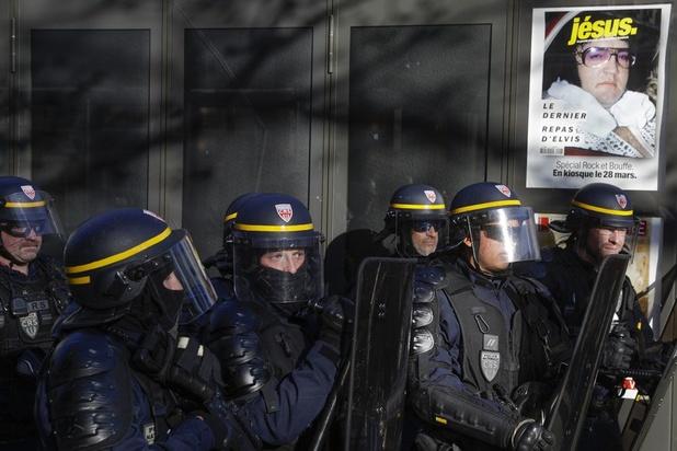"""""""Vivre, pas survivre"""": les """"gilets jaunes"""" toujours dans la rue pour leur acte 20"""
